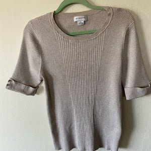 Liz Claiborne tan crew neck sweater Xl
